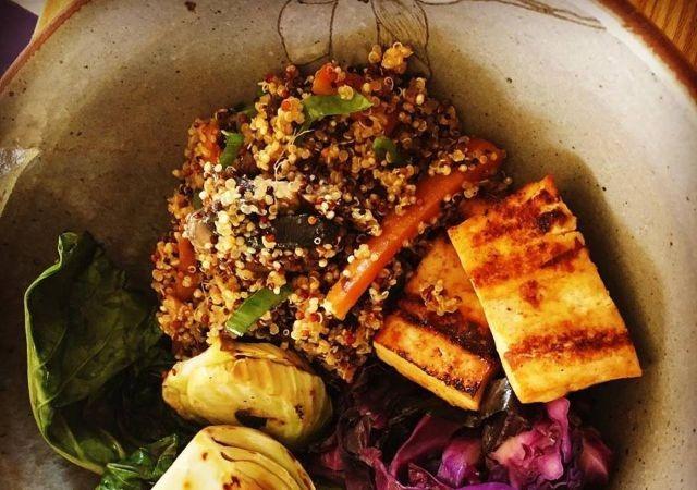 Quinua com Tofu Marinado (1)